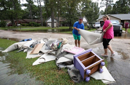 moms AWARE - AWARE Newsletter: Help for Hurricane Victims